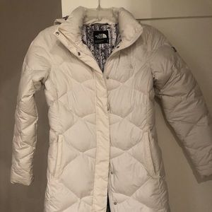 Nort face white, puffy, long jacket